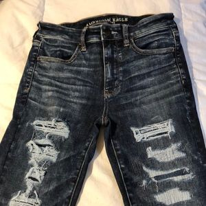 American Eagle Ripped Jeans - Size 6